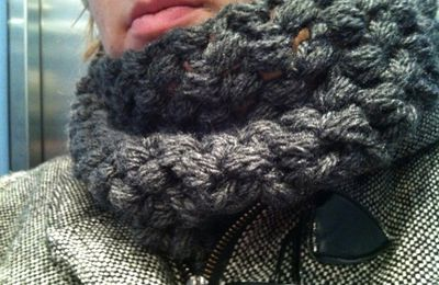 chunky cluster cowl