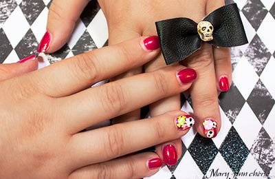 The Sunday Nail Battle #16 – Skulls & Bones