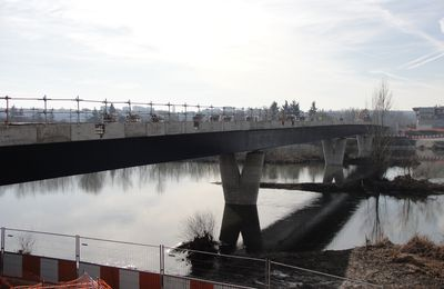 Pont sur le Cher : on passe aux finitions