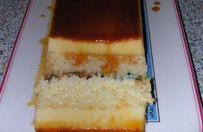 Gâteau fondant caramélisé à la noix de coco