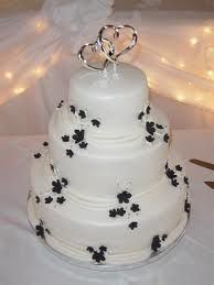 A Perfect Winter Themed Wedding Cake Idea