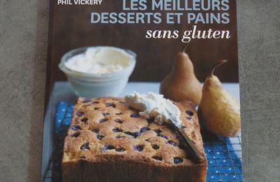 Livre de cuisine et mélange de farines sans gluten