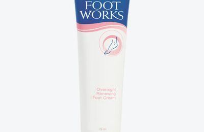 Crema rigenerante per i piedi ad azione notturna