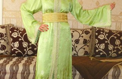 "Location caftan "" EMERAUDE"" : 25 euros"