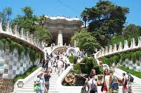 BARCELONE - Park Güell de Antoni Gaudí