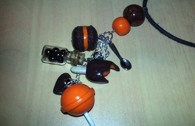 Collier breloques Chocolat / Orange