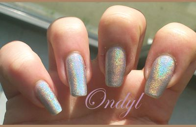 Swatch vernis LM Cosmetic Holographic n°2 Silvershape