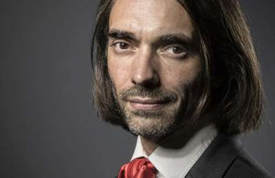 "Cédric Villani : "" L'intelligence artificielle est l'affaire de tout le monde "" (lemonde.fr)"