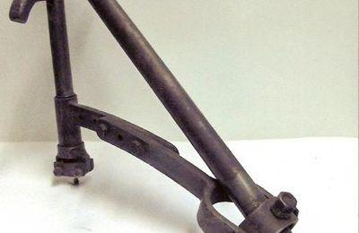 """Appareil à recreuser les pneus poids lourds """" Le Fara """" Michelin 1950"""