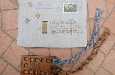 Une enveloppe brodée par Valounette