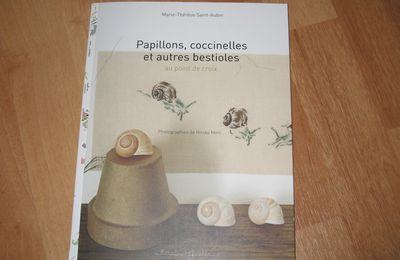 """Livre """"les petits animaux du jardin"""" de MTSA"""