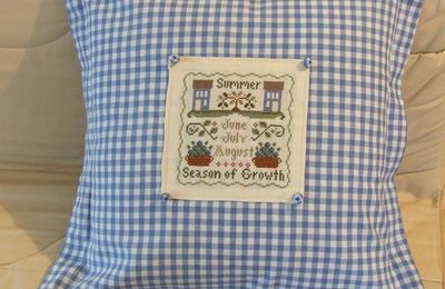 "Coussin ""Summer-Season of growth"""