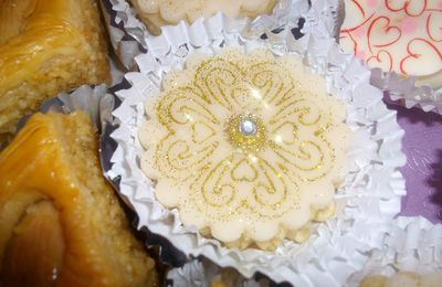"""gâteaux """"bijoux"""" : fourrés aux amandes"""