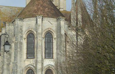 """La """"Vierge noire"""" trouvée lors les fouilles de la restauration de l'église Saint-Mathurin, à Larchant (Gâtinais)"""