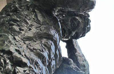 Les atlantes de Babinet, colosses de bronze parisiens
