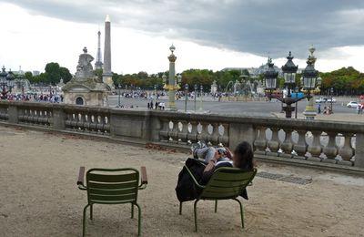 Place de la Concorde et tuk-tuk à Paris