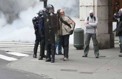 """Scandale: le gouvernement envoie des """"provocateurs"""" pour casser le mouvement!"""