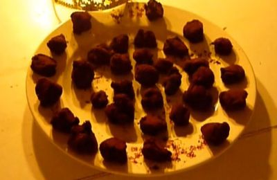"""The Queen's Truffles"" by our two chefs Camille & Lena (3ème euro)"