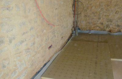 054 plancher chauffant coulage de la chape liquide grange du petit paradis. Black Bedroom Furniture Sets. Home Design Ideas