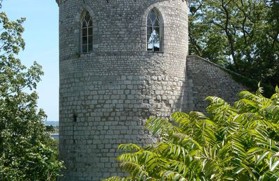 Crosne Tower