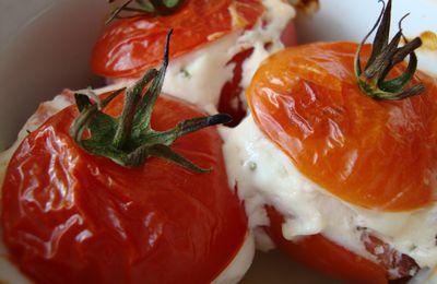 Tomates farcies au chèvre allégées