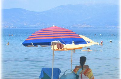CONVERSATIONS SOUS LES PARASOLS Photo n° 16