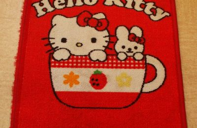 Un tapis Hello-Kitty