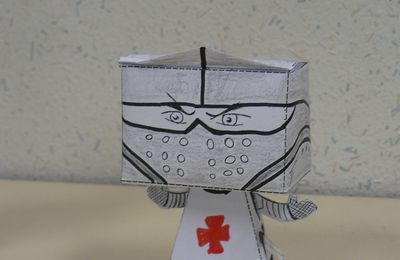 paper toy croise
