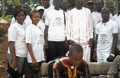 Fria : le mouvement SARAC offre des kits d'hygiène contre Ebola aux populations