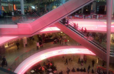 L'écran digital géant des 4 Temps : une avancée dans le retailtainment