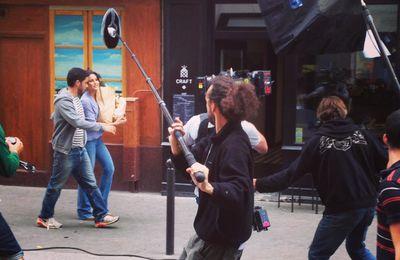 Manu Payet : tournage de « C'est pas compliqué » rue des Vinaigriers