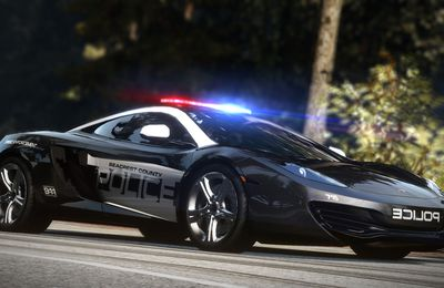 Sortie de Need For Speed Hot Poursuit !