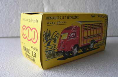 RENAULT 2,5 T- BETAILLERE