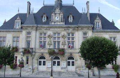 Les pompiers escaladeurs pavoiseront l'Hôtel-de-Ville, samedi 24 avril (St-Jean-d'Angély)