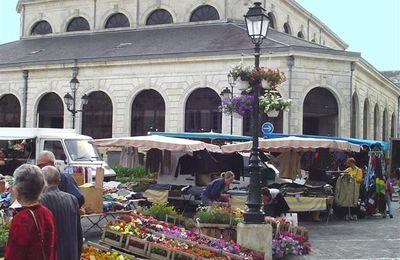 Fêtes de fin d'année 2010 : marchés avancés au vendredi et zone piétonne rétablie (Saint-Jean-d'Angély)