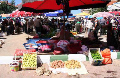 Jeudi, c'est jour de marché à Hüyük