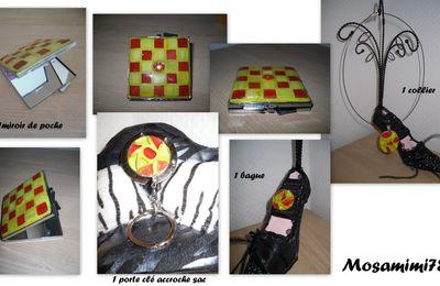 Bijoux et accessoires dans les tons rouge et jaune