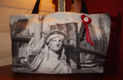 "Un sac ""New York"" et un lutin....."