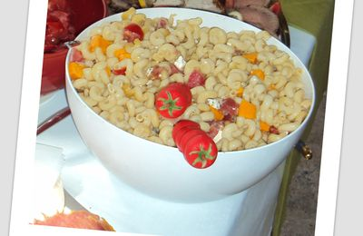 Salade de mimolette, feta, tomate au jambon Serrano