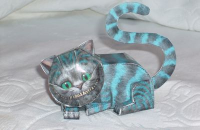 Le chat d'Alice en version papier : Cheshire cat