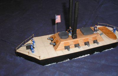 Des canonnières faites maison...