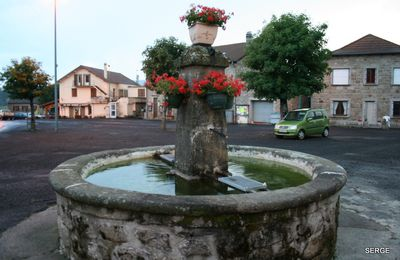 fontaine a issarles village