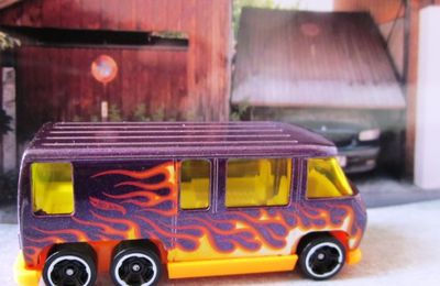 GMC MOTORHOME HOT WHEELS 1/64