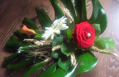 Deco de table en fleurs et épis de blé