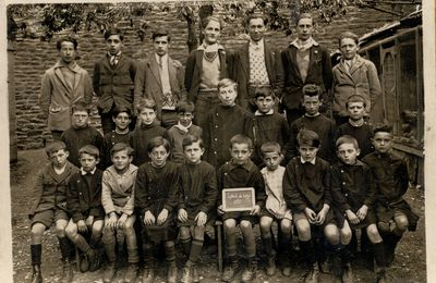 Photo d'une classe au Collet de Dèze 1931