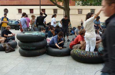 Rassemblement artistico-aerien sur le canal - proche de République