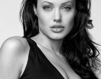 Retour sur Angelina Jolie en mode Gia Carangi