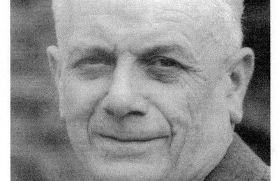 42 - L'ingénieur Roger Robert.