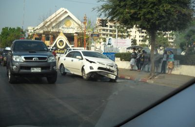 La photo du jour à Udon Thani......l'accident du jour !