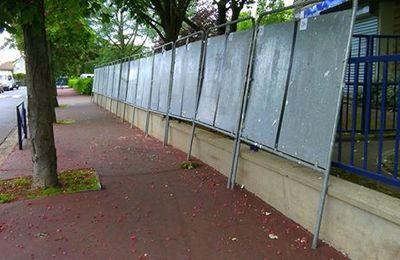 Panneaux pour élections européennes - un mur de gris?